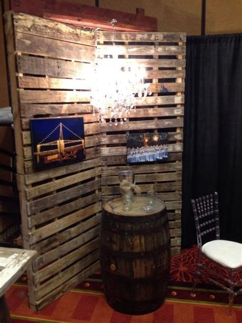 How To Make A Pallet With A Back by Pallet Wall Backdrop Wedding Ideas The Chandelier Where To Find Pallets And Fabrics