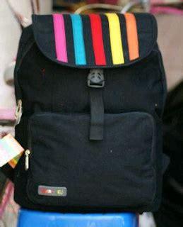 Tas Gendong Putih Hitam model tas gendong sekolah terbaru