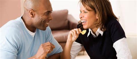 relation amoureuse au bureau l amour au travail si courant mais si risqu 233 black