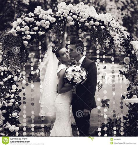 imagenes blanco y negro de parejas foto blanco y negro de la pareja casada foto de archivo