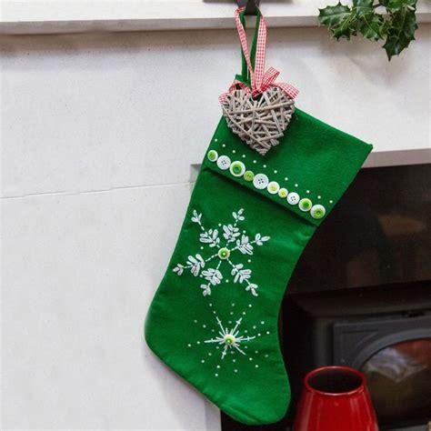 xmas stocking pattern ideas 101 best christmas stockings images on pinterest