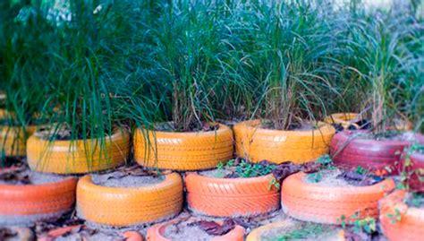imagenes de jardines con reciclado c 243 mo decorar tu jard 237 n con material reciclado diario la