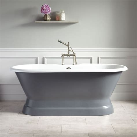 Small Pedestal Tub 25 Best Ideas About Pedestal Tub On Master Of