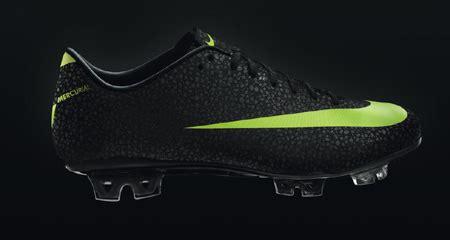 Sepatu Bola Yang Dipakai Cr7 nike beri sepatu spesial untuk cr7 bola net