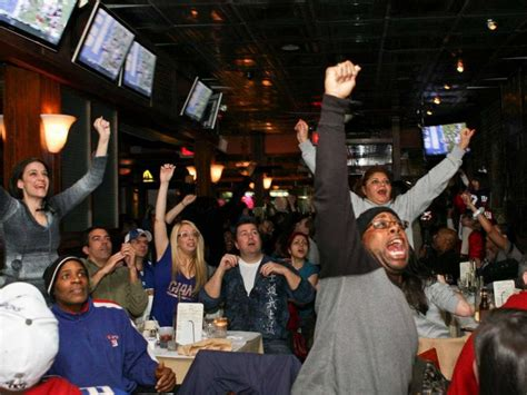 Top Sports Bars In Nyc by The Best Sports Bars In Nyc To Football