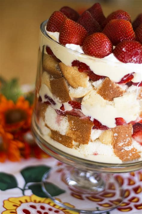 how to make a holiday trifle
