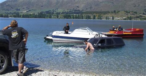 boat fail pictures you re doing it wrong 12 priceless boat launch fails