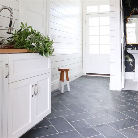 floor tile for bathroom ideas 25 best ideas about slate tile floors on