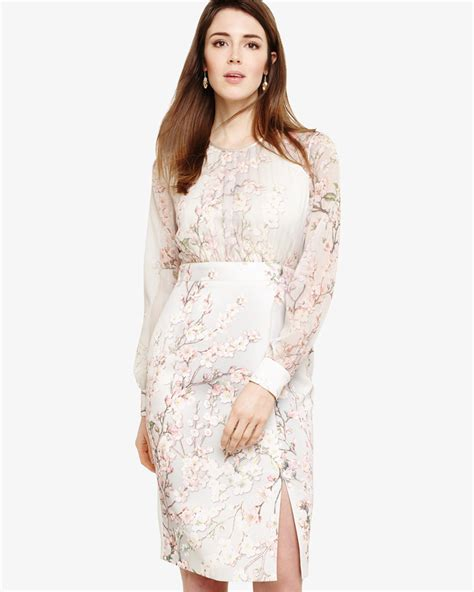 10 Floral Dresses For by 10 Floral Dresses For Wedding Guests