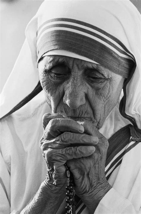 mother teresa bottle biography 17 best ideas about mother teresa life on pinterest