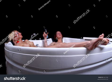 two girls in a bathtub two girls having in bathroom 28 images two cute little