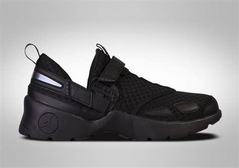 Sepatu Basket Airjordan Superfly4 Blackout Airjordan Blakegriffin air 4 blackout