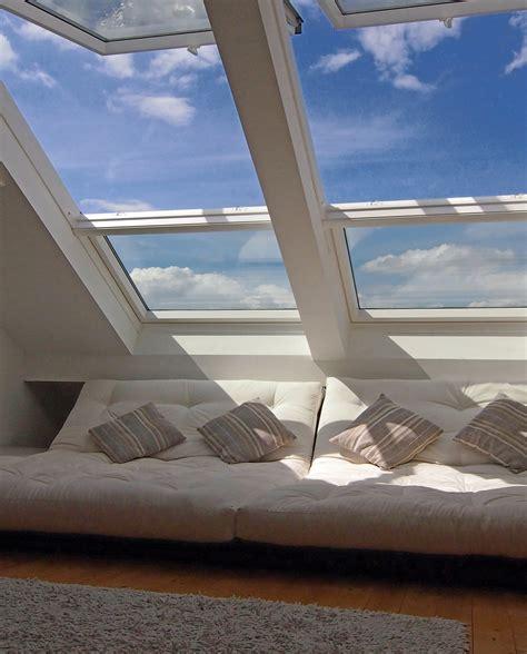 wohnzimmer unterm dach wohnzimmer chillen unterm dach fenster