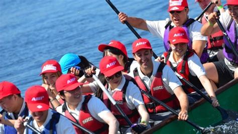 national capital dragon boat festival crowds turn out for dragon boat racing itv news