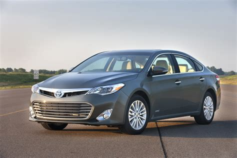 Toyota Avalon Mpg Toyota Avalon Hybrid Discounts Large 40 Mpg Sedan