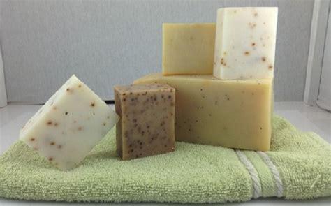sapone fatto in casa senza soda caustica sapone fai da te guida per realizzarli senza soda
