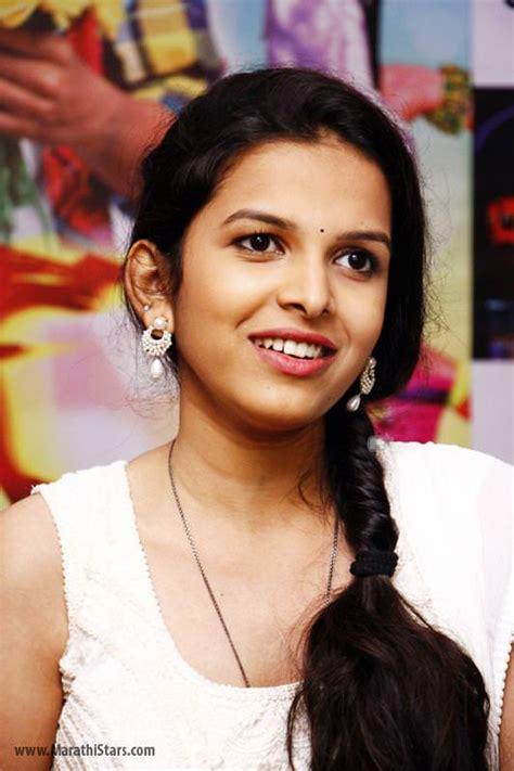 biography meaning marathi mitali mayekar marathi actress bio photos wiki freshers