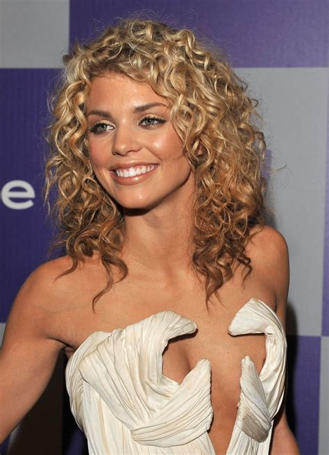 hairstle wiki 10 celebrity curly hairstyles the products you need to