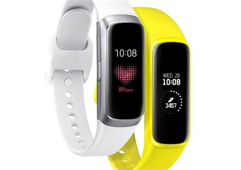 samsung galaxy fit samsung reveals slim new fitness oriented wearables the galaxy fit and galaxy fit e