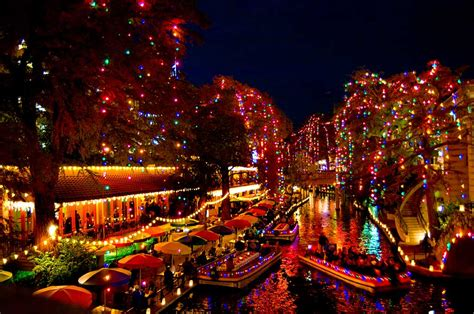 holiday lights on the riverwalk san antonio greatfoodfunplaces comchristmas spirit in san antonio
