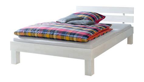 bett mit matratze 90x200 einzelbett buche massiv 90x200 bett mit rollrost matratze