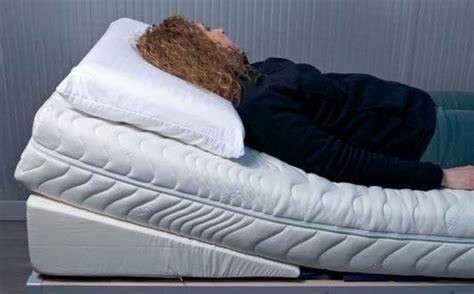 cuscino a cuneo antireflux cuscino a cuneo antireflusso gastroesofageo