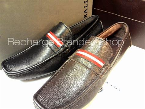 terjual sepatu semi original 100 kulit asli prada louis
