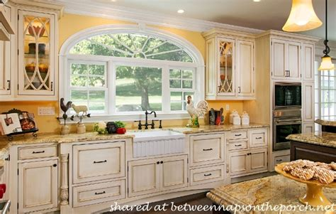 What Kind Of Paint To Use On Kitchen Cabinets 10 Beautiful Dream Kitchens Cottage French Country And