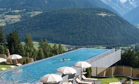 infinity pool bauen portal schweiz f 252 r swimmingpool schwimmbad whirlpool