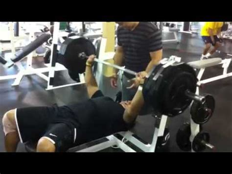 stephen paea bench stephen paea benching 455 youtube