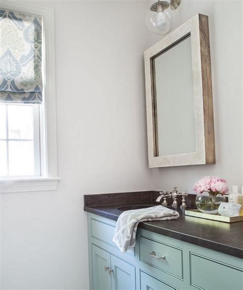 satin paint in bathroom the wall paint color is benjamin moore oc 26 silver satin