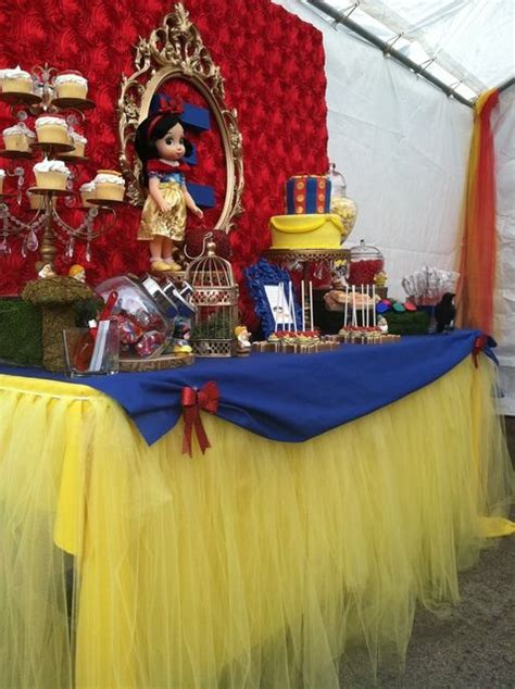 Snow White Decorations by Snow White Birthday Ideas Birthdays Awesome And
