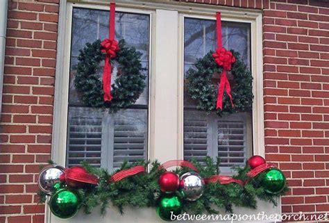 window spraysnowglo christmas windowdecoration decorating ideas for porches doors and windows