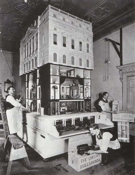 dolls house windsor castle queen mary s doll house