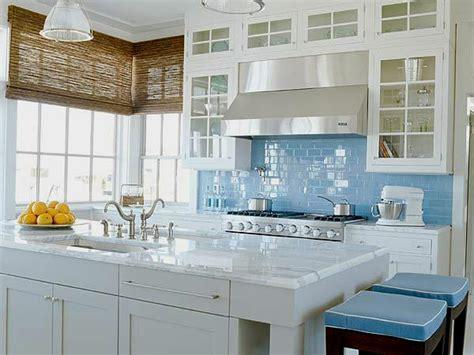 light blue kitchen backsplash choisir un carrelage mural de cuisine pour une ambiance