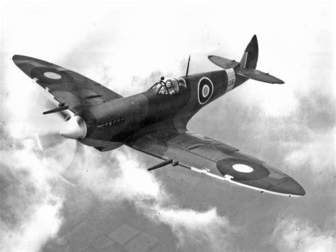 spitfire mk viii central gunnery historic