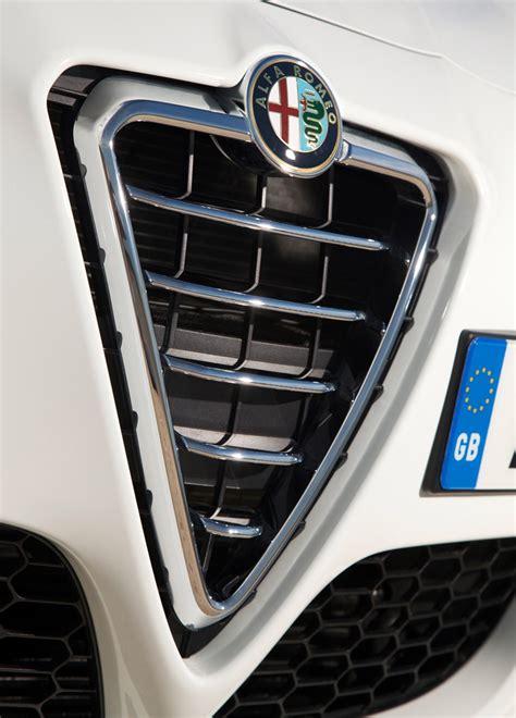 alfa romeo giulietta review  parkers