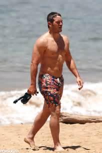 Chris pratt shirtless at the beach popsugar celebrity