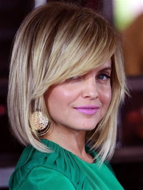 will an angled bob make my face look skinny 12 pretty layered hairstyles for medium hair popular