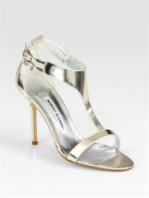 silver t sandals manolo blahnik patent leather t sandals in silver lyst