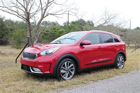 kia niro hybrid  drive report