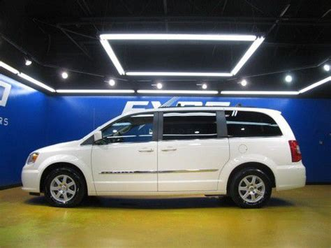 Chrysler Town And Country Stow And Go Seats by Buy Used Chrysler Town Country Touring Stow N Go Seats