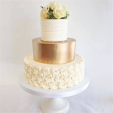 Wedding Anniversary Ideas Washington Dc by Best 25 Gold Wedding Cakes Ideas On
