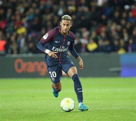 neymar world cup 2018 những ch 226 n chuyền xuất sắc nhất b 243 ng đ 225 thế giới đầu năm 2018