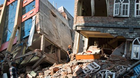 earthquake of nepal helping victims of nepal earthquakes and mudslides cnn com