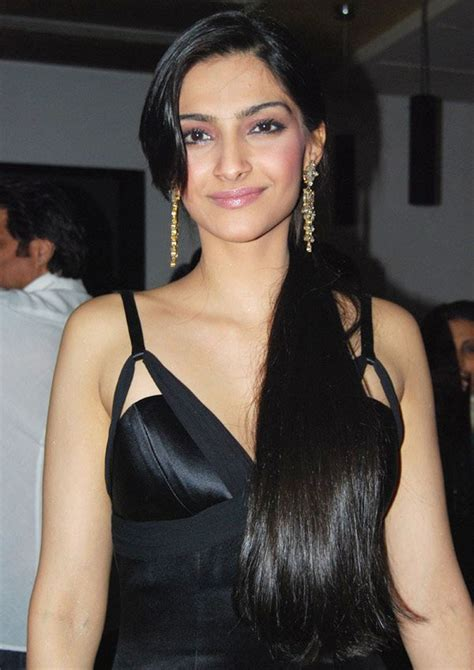 bollywood actress long height sonam kapoor pictures images photos