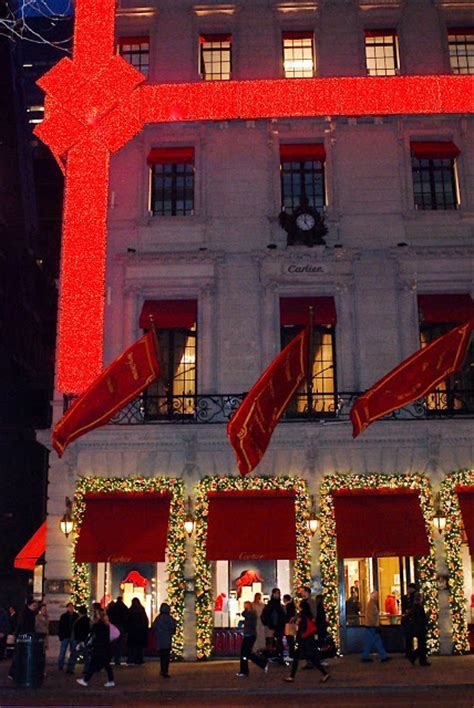 nyc nyc cartier storefront holiday decoration