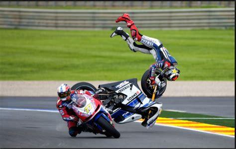 E Motorrad Rennen by Image