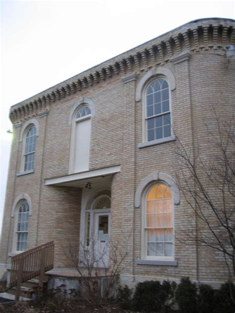 real haunted houses in illinois haunted places in illinois with supernatural phenomenon