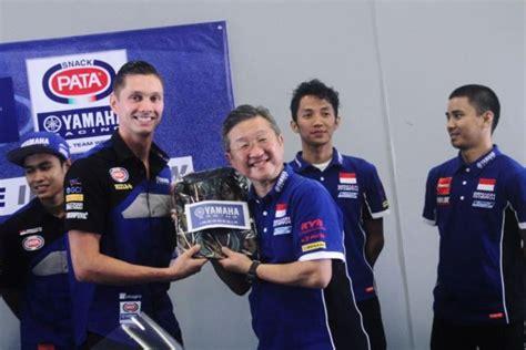 Baju Tim Yamaha pembalap pake batik yudibatang